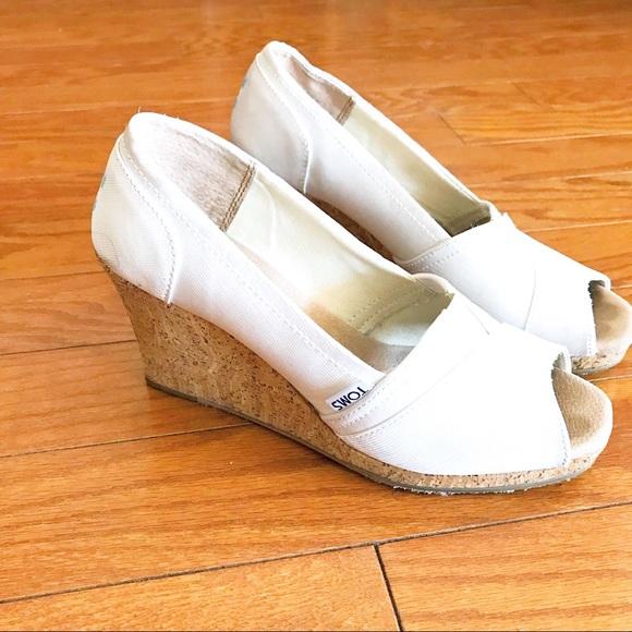 3dd9b546b3e TOMS Stella Wedding White Grosgrain Wedge Heels. M 5ba46a69aa57193ef11f4afc